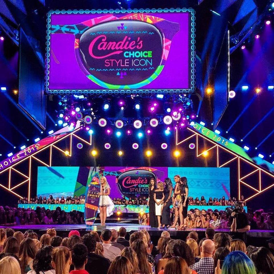 Video de Britney recibiendo el ‪#‎CandiesStyleIcon‬ en los Teen Choice 2015!