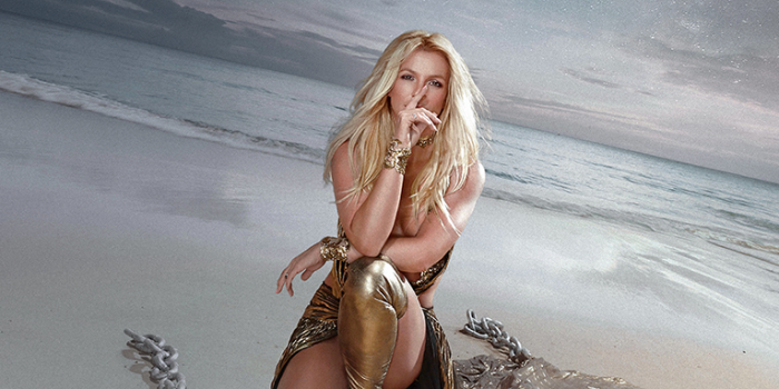 [STREAM]Britney Spears – Swimming in the Stars